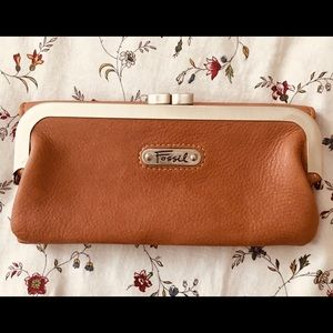⚡️FOSSIL⚡️EUC 💯leather💯wallet